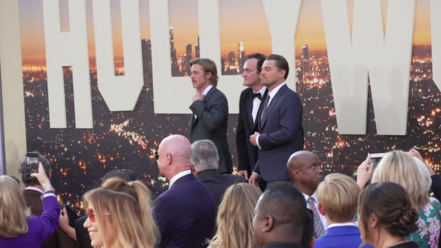 """brad pitt, quentin tarantino and leonardo dicaprio at the """"once upon a time in hollywood"""" premiere at tcl chinese theatre on july 22, 2019 in... - 俳優 ブラッド・ピット点の映像素材/bロール"""