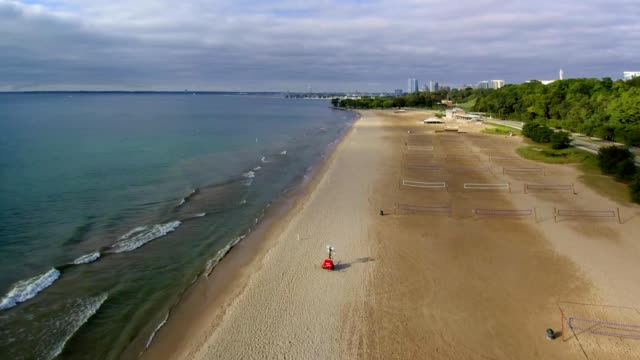 bradford beach on lake michigan at milwaukee, wisconsin usa - lago michigan video stock e b–roll