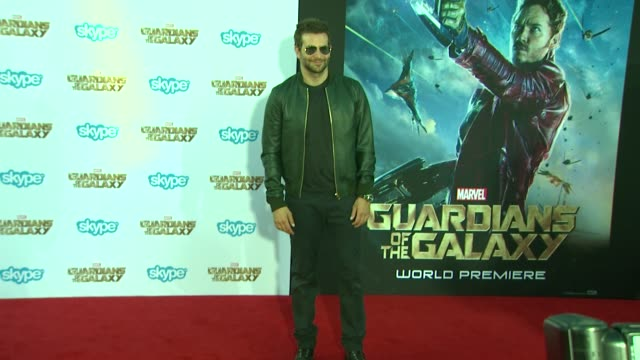 bradley cooper at the guardians of the galaxy world premiere at the el capitan theatre on july 21 2014 in hollywood california - el capitan theatre bildbanksvideor och videomaterial från bakom kulisserna