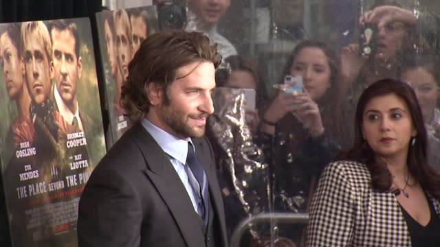 """bradley cooper at """"the place beyond the pines"""" new york premiere presented by focus features at landmark sunshine cinema on march 28, 2013 in new... - ランドマークサンシャインシアター点の映像素材/bロール"""