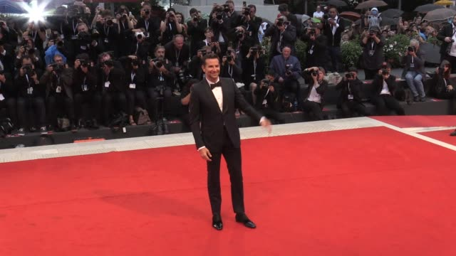 bradley cooper on the red carpet for the premiere of a star is born at the venice film festival 2018 venice italy on friday august 31 2018 - フォトコール点の映像素材/bロール