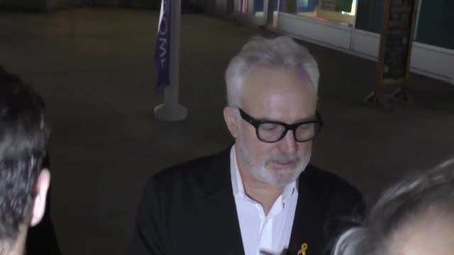 vidéos et rushes de bradley whitford greets fans outside the premiere of the last full measure at arclight cinemas in hollywood in celebrity sightings in los angeles, - arclight cinemas hollywood