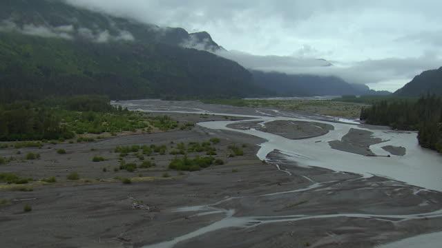 braided river in alaskan state park - kenai peninsula stock videos & royalty-free footage