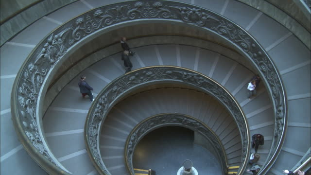 ms ha bramante's spiral staircase in vatican museums, vatican city, rome, italy - spiral staircase stock videos & royalty-free footage