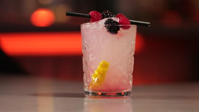 bramble cocktail - fruit juice stock videos & royalty-free footage