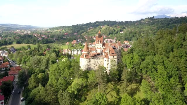 bran castle - bran, romania - transilvania video stock e b–roll