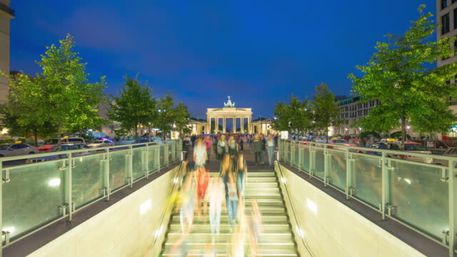 Brandenburg Gate Berlin Timelapse with dynamic People and Zoom