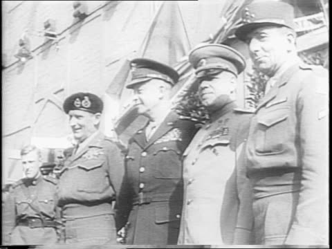 brandenburg gate / general dwight eisenhower and field marshal sir bernard law montgomery arriving in berlin / marshal grigory zhukov of russia... - alliierte stock-videos und b-roll-filmmaterial