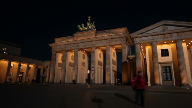 Brandenburg Gate in Berlin - Timelapse