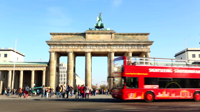 brandenburg gate, time lapse - double decker bus stock videos & royalty-free footage