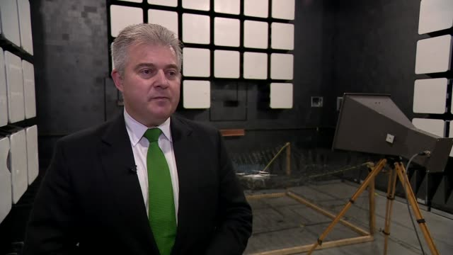 vídeos de stock e filmes b-roll de brandon lewis visits antidrone studio england hampshire farnborough qinetiq hq int brandon lewis mp interview sot - farnborough hampshire