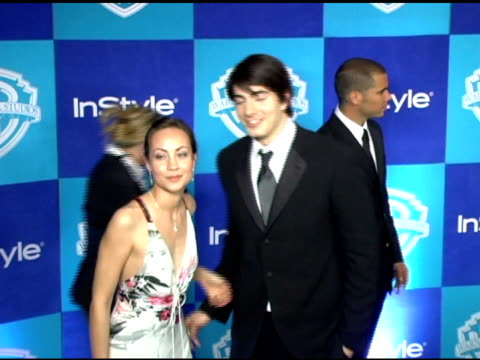 brandon routh and guest at the instyle/warner brothers golden globes party at the beverly hilton in beverly hills california on january 16 2006 - brandon routh bildbanksvideor och videomaterial från bakom kulisserna