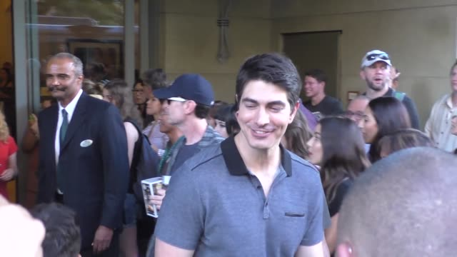brandon routh at the cw party at san diego comiccon international at celebrity sightings at comiccon on july 22 2016 in san diego california - brandon routh bildbanksvideor och videomaterial från bakom kulisserna