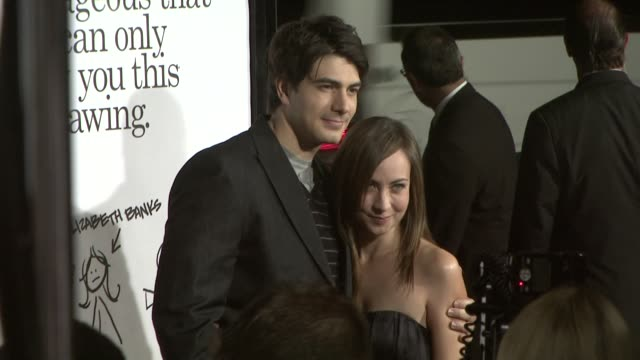 brandon routh at the zack and miri make a porno premiere at los angeles ca - brandon routh bildbanksvideor och videomaterial från bakom kulisserna