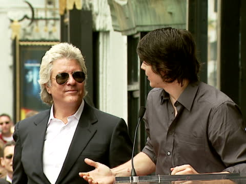 brandon routh with jon peters at the dedication of jon peters' walk of fame star at the hollywood walk of fame in hollywood california on may 1 2007 - brandon routh bildbanksvideor och videomaterial från bakom kulisserna