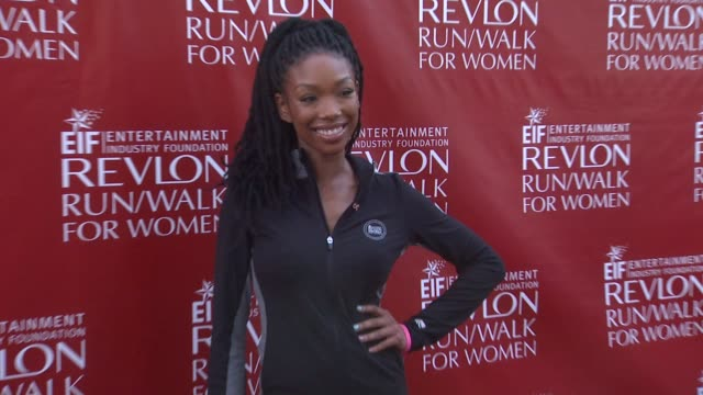 brandy at 21st annual eif revlon run walk for women in los angeles, ca 5/10/14 - レブロン点の映像素材/bロール