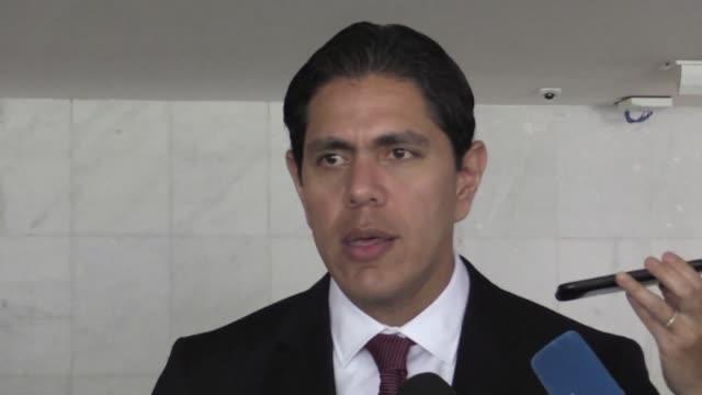 vídeos y material grabado en eventos de stock de brasil acepto instalar en el estado fronterizo de roraima un centro de acopio de ayuda humanitaria para venezuela informo el lunes en brasilia lester... - estado de roraima