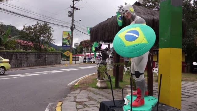 brasil seleccion anfitriona no podra luchar para conseguir su sexta copa en este mundial - 2014 stock-videos und b-roll-filmmaterial