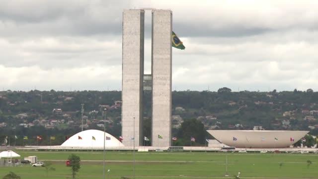 brasilia formo parte de una red de 16 bases de espionaje que operaban los servicios de inteligencia de estados unidos segun documentos obtenidos por... - diario stock videos and b-roll footage
