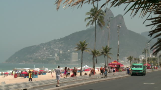 Brasilien - Rio beach from distance