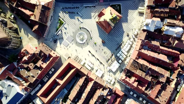 brasov - flight across the city hall square - transilvania video stock e b–roll