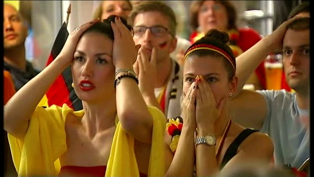 Germany beat Argentina GERMANY Berlin INT German fans reacting to Argentina goal