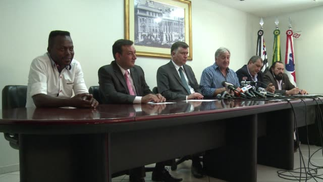 brazilian football players cancelled a strike that would have halted sao paulos state championship this weekend a decision they say theyll revert if... - korinthisch stock-videos und b-roll-filmmaterial