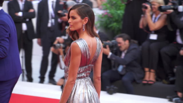 brazilian model izabel goulart shines on the red carpet of 'first man' during the 75th venice film festival on august 29 2018 in venice italy - premiere stock-videos und b-roll-filmmaterial