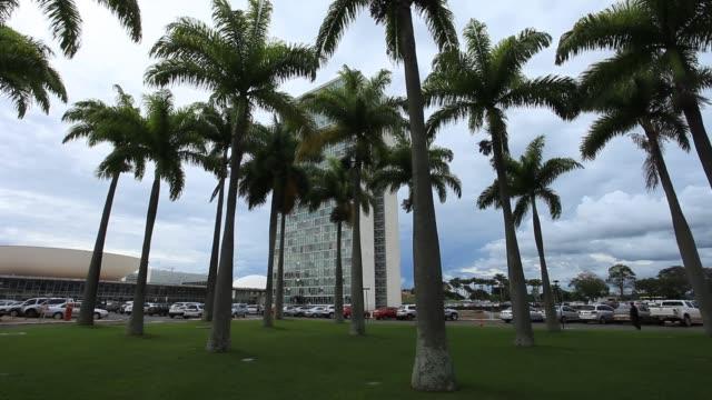 brazilian national congress or parliament buildings / congresso nacional do brasil - oscar niemeyer stock videos and b-roll footage