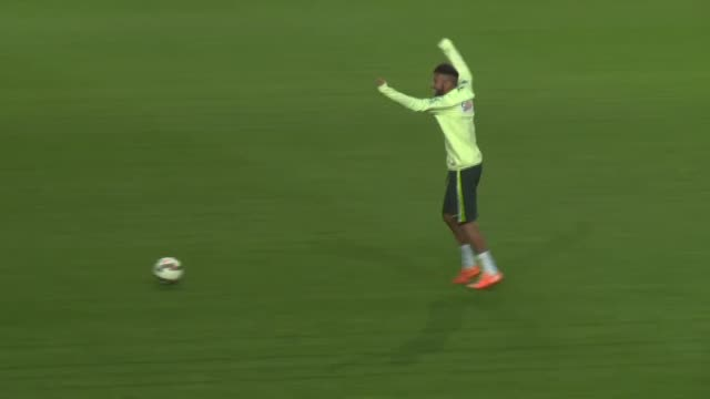 brazilian players exercise during a training session at sukru saracoglu stadium ahead of an international friendly match against turkey in istanbul... - international match stock videos & royalty-free footage
