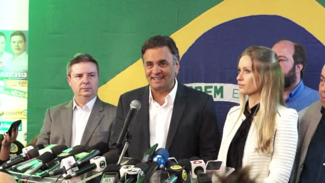 stockvideo's en b-roll-footage met brazilian presidential hopeful aecio neves on sunday earned a key endorsement in his bid to defeat incumbent dilma rousseff from environmentalist... - bod