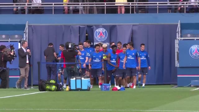 brazilian striker neymar appears at paris sg's training session at parc des princes before the last ligue 1 match of the season against caen - neymar da silva stock videos & royalty-free footage