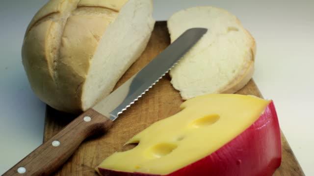 Brot und Käse.