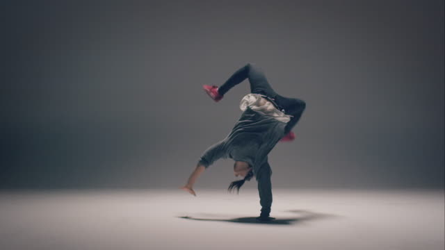 Breakdance woman