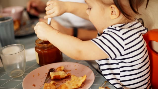 breakfast with children - bagel stock videos & royalty-free footage