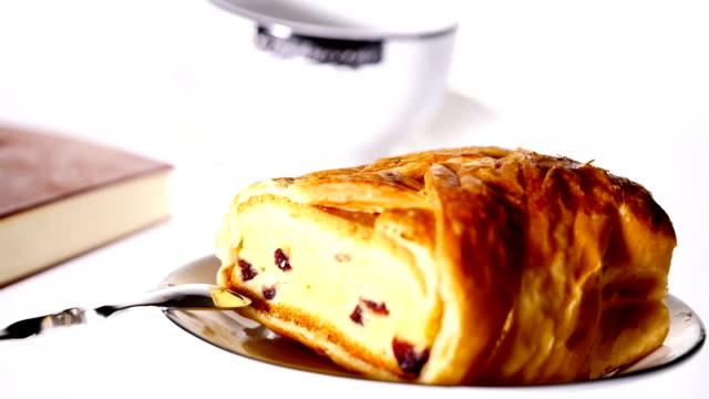 Frühstück mit Kaffee und Cookies