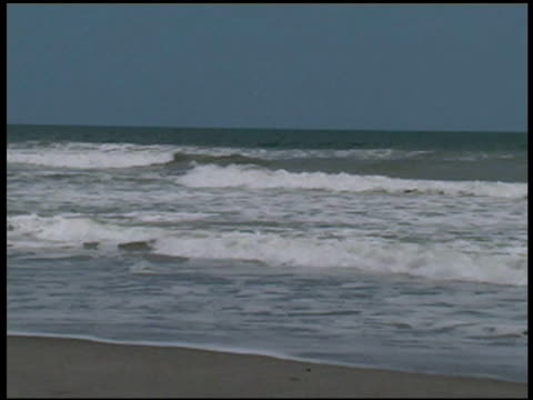 breaking waves at the ocean's edge - letterbox format stock videos & royalty-free footage