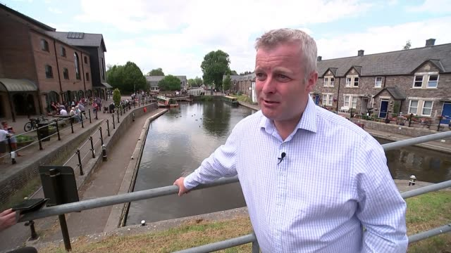 stockvideo's en b-roll-footage met plaid cymru and greens stand aside for liberal democrats wales powys brecon and radnorshire various shot of byelection husting event and general... - britse labor partij