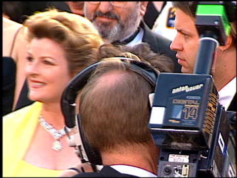 brenda blethyn at the 1997 academy awards arrivals at the shrine auditorium in los angeles california on march 24 1997 - 69th annual academy awards stock videos & royalty-free footage