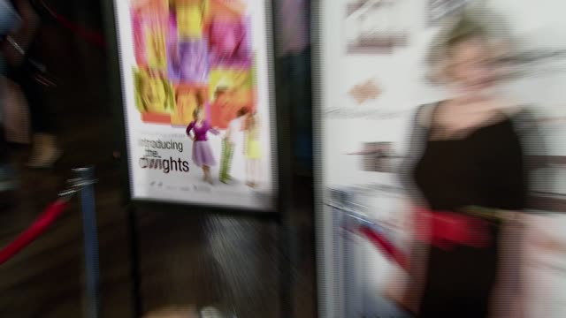 vídeos y material grabado en eventos de stock de brenda blethyn at the 'introducing the dwights' los angeles premiere at director's guild of america in hollywood california on june 26 2007 - director's guild of america