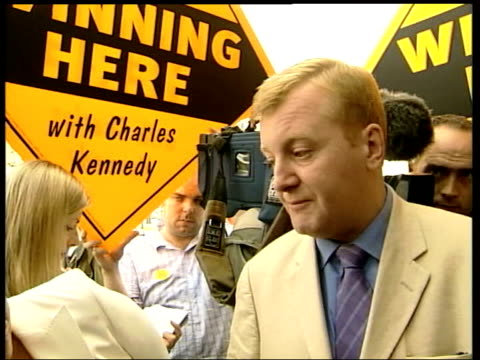 liberal democrats victory also available similar to news at ten but includes charles kennedy mp interview - charles kennedy stock videos & royalty-free footage