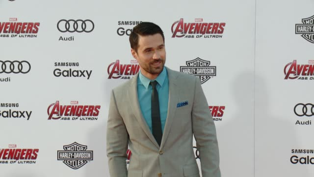 """brett dalton at the world premiere of marvel's """"avengers: age of ultron"""" at dolby theatre on april 13, 2015 in hollywood, california. - the dolby theatre stock-videos und b-roll-filmmaterial"""