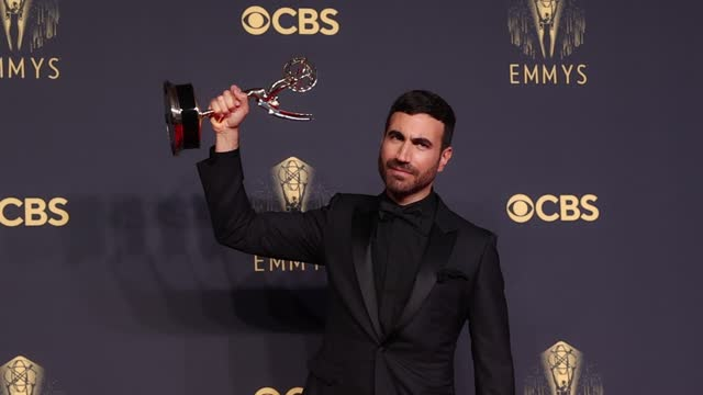 brett goldstein, winner of outstanding supporting actor in a comedy series for 'ted lasso,' poses in the press room during the 73rd primetime emmy... - emmy awards stock videos & royalty-free footage