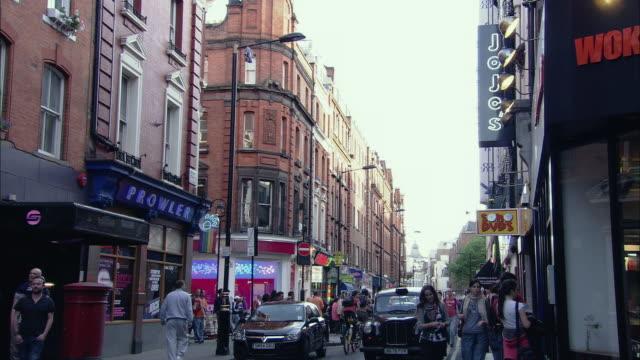 ws brewer street, soho, london, uk - butiksskylt bildbanksvideor och videomaterial från bakom kulisserna