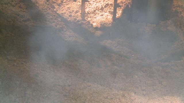 ms brewing process mash tun mixing grist / rothes, speyside, scotland - ゆでつぶし点の映像素材/bロール