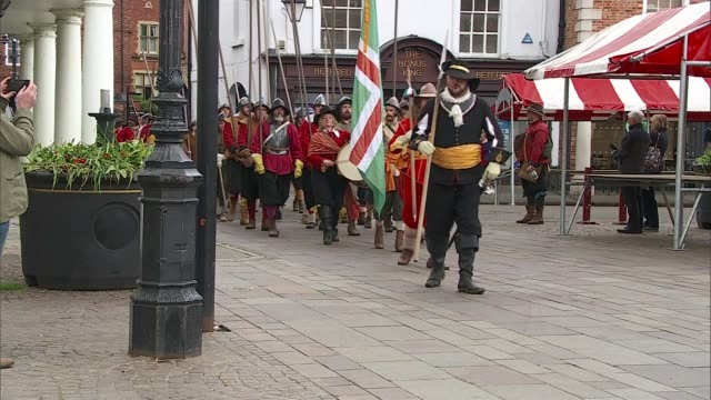 Alternative parties could be benefitting from Brexit impasse ENGLAND Newark EXT English Civil War reenactors marching along market square Man...