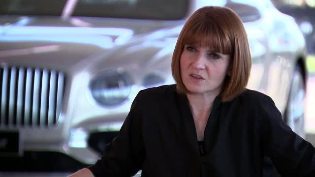 vídeos de stock e filmes b-roll de bentley motors boss says no deal will damage entire motor industry; england: cheshire: crewe: bentley crewe: adrian hallmark interview sot cutaways... - adrian paul