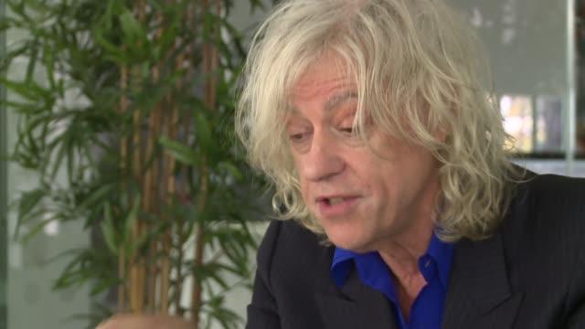 stockvideo's en b-roll-footage met bob geldof interview england london int bob geldof interview sot - bob geldof
