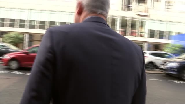 vidéos et rushes de boris johnson calls on the eu to meet the uk halfway or we will leave without a deal; england: london: ext stephen barclay mp departing bbc building... - bbc