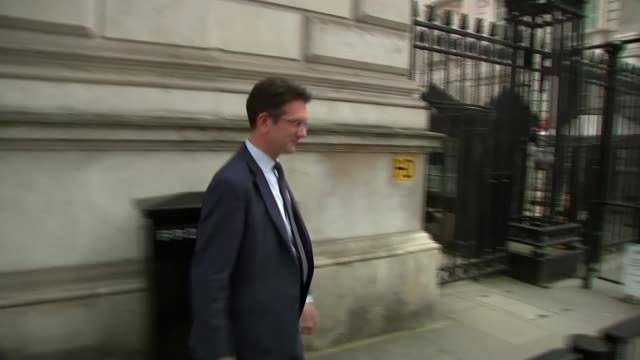 boris johnson pledges october 31st withdrawal in first commons statement as pm; england: london: whitehall: ext steve baker mp commenting to... - cabinet member stock videos & royalty-free footage